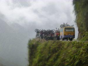 En bici por la carretera de la muerte