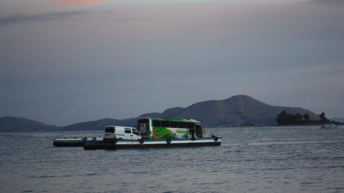 Como moverse por el Lago Titicaca