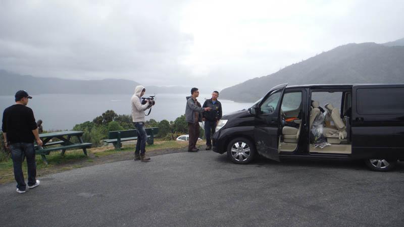 Entrevista tele china en Isla Sur de Nueva Zelanda