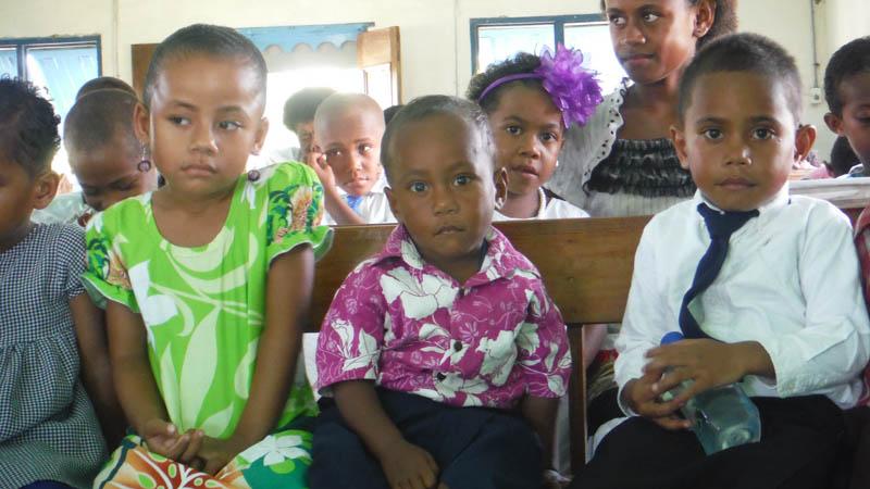 niños en la Iglesia, Islas Fiji