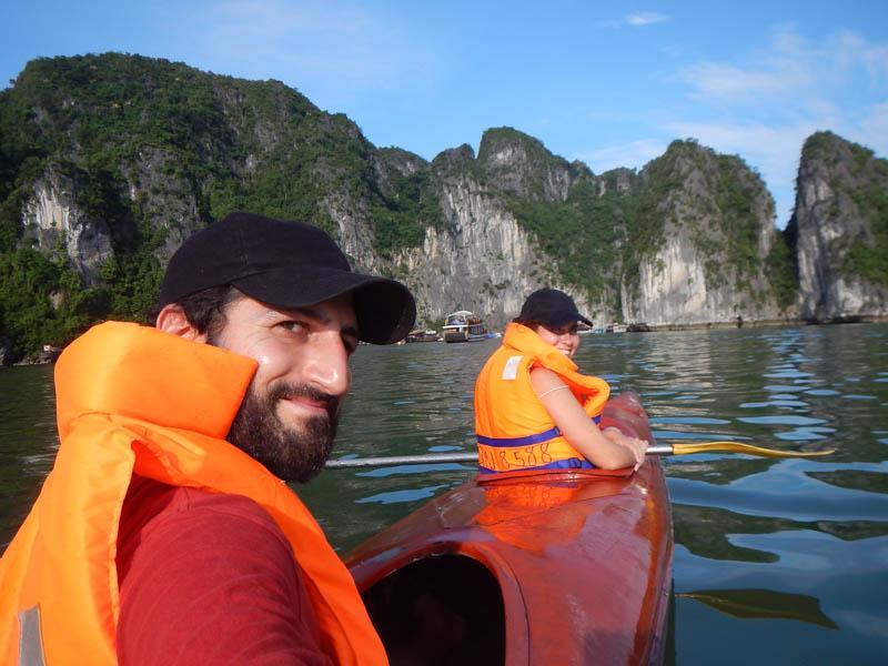 paseo en kayak, Bahía de Halong, Vietnam