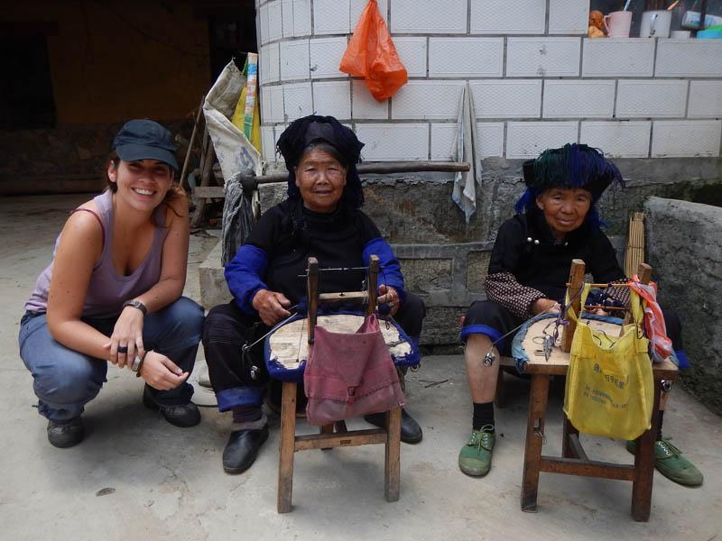 mujeres de etnia hani