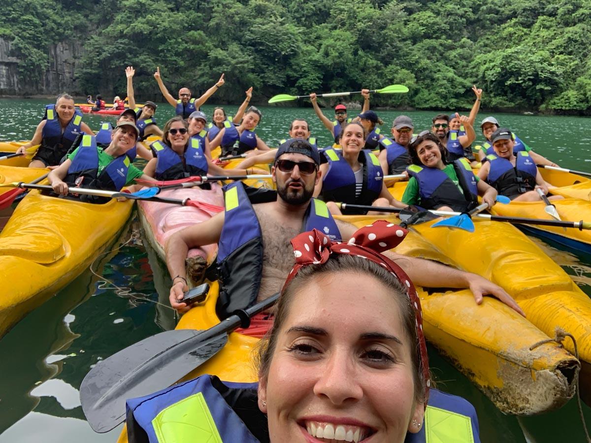 Kayak en Bahia de Halong