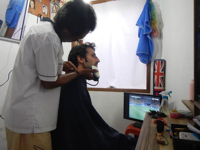 en la peluquería en Lembongan