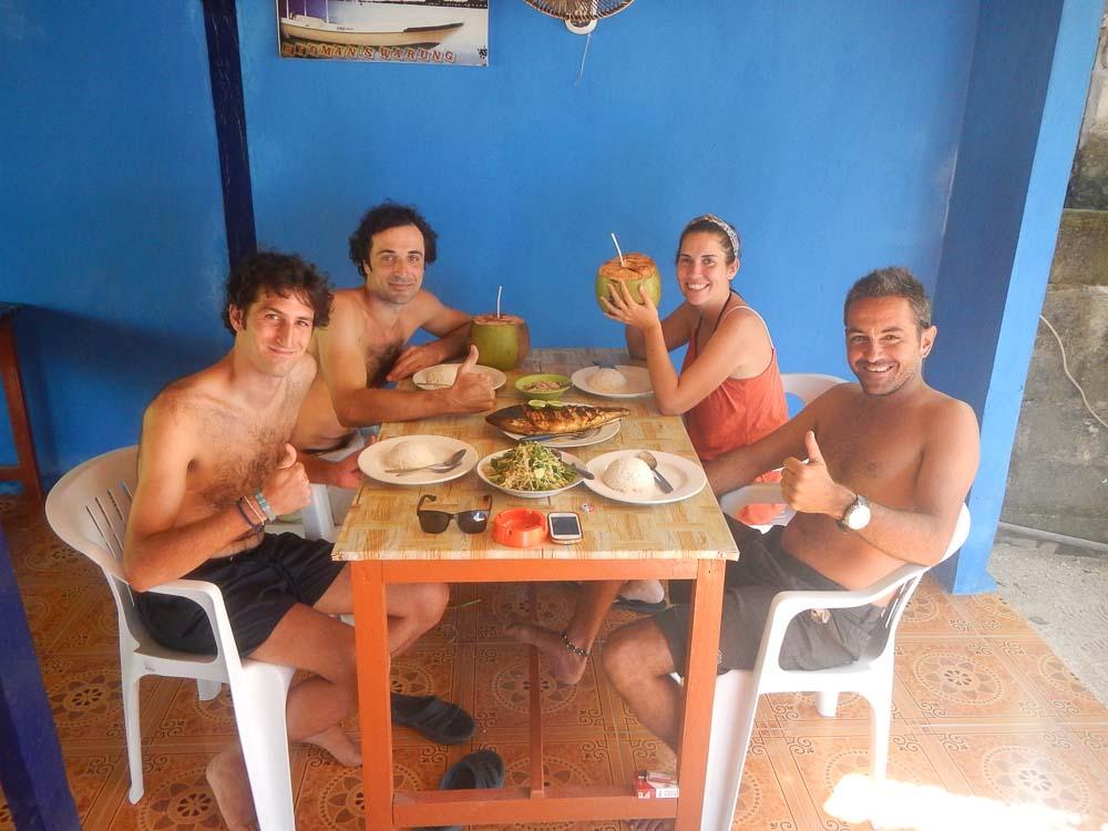 Comer en Lembongan