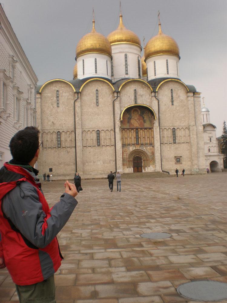 Iglesia entre las murallas del Kremlin
