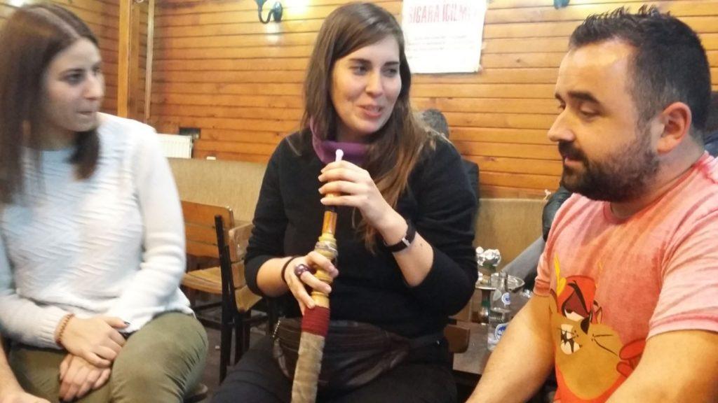 fumando cachimba en Estambul