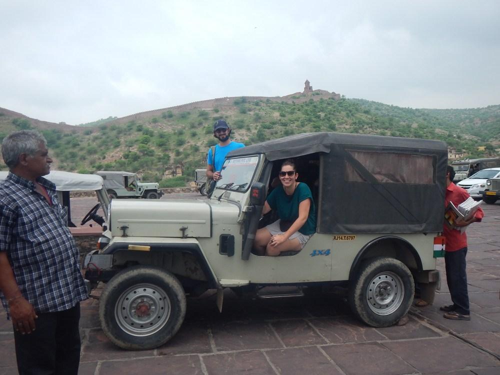 Jeep para subir al Fuerte Amber