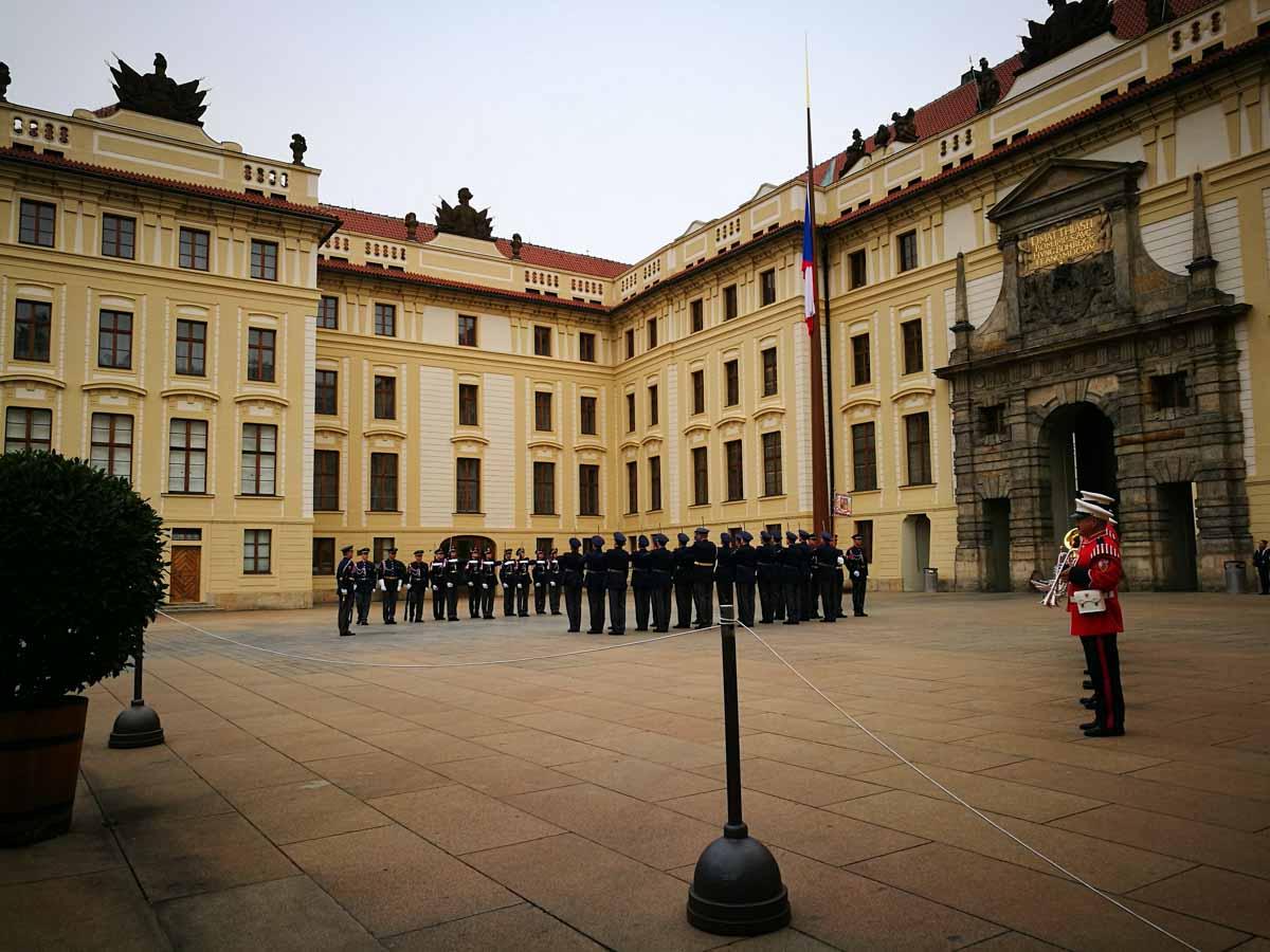 Cambio de guarida en Praga