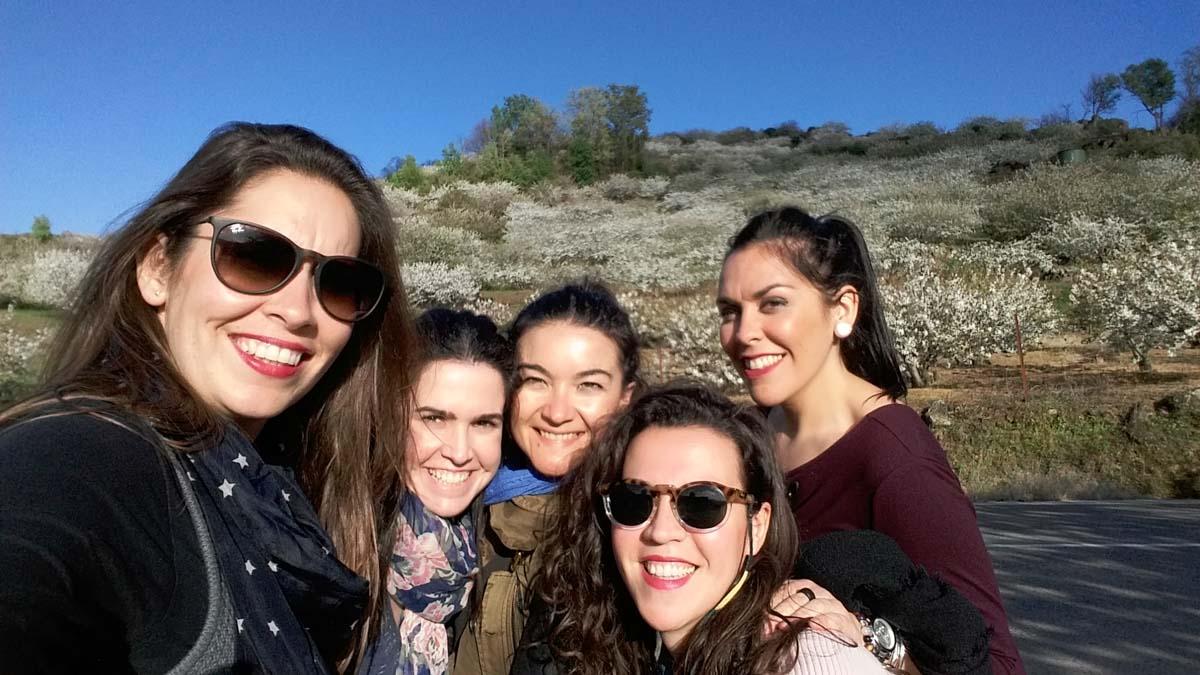 MJ con amigas en el Valle del Jerte