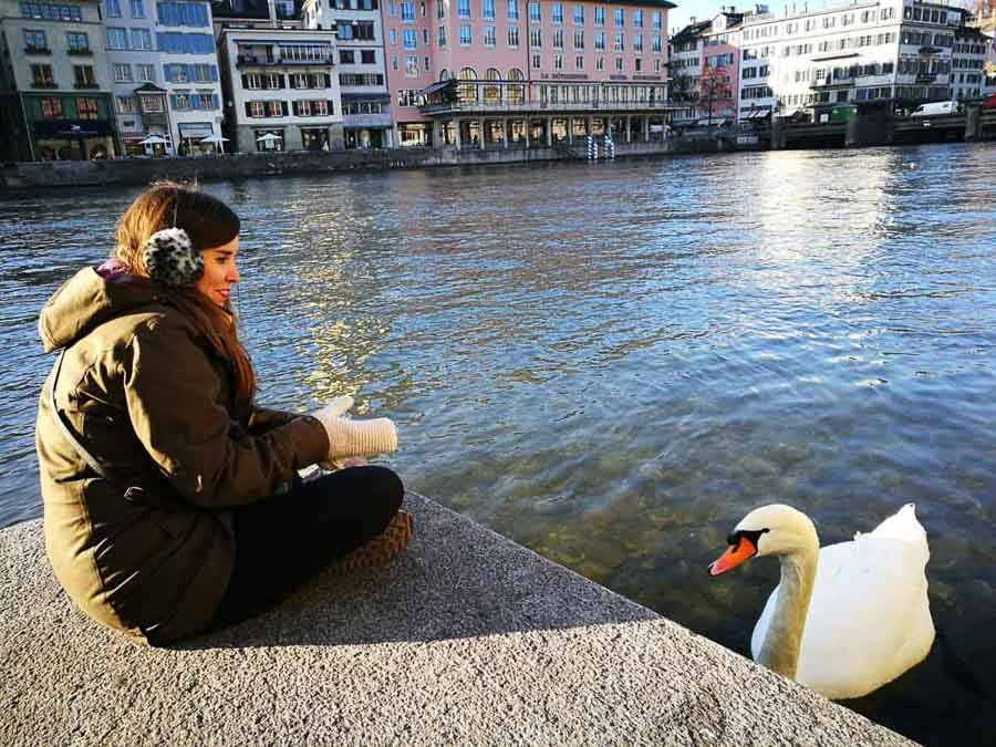 MJ con cisne en Zurich