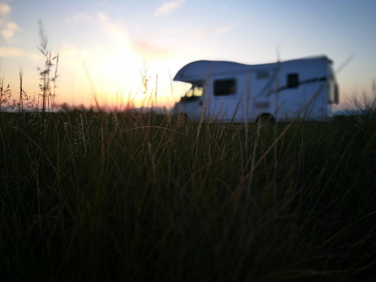 Espectacular atardecer desde nuestra caravana