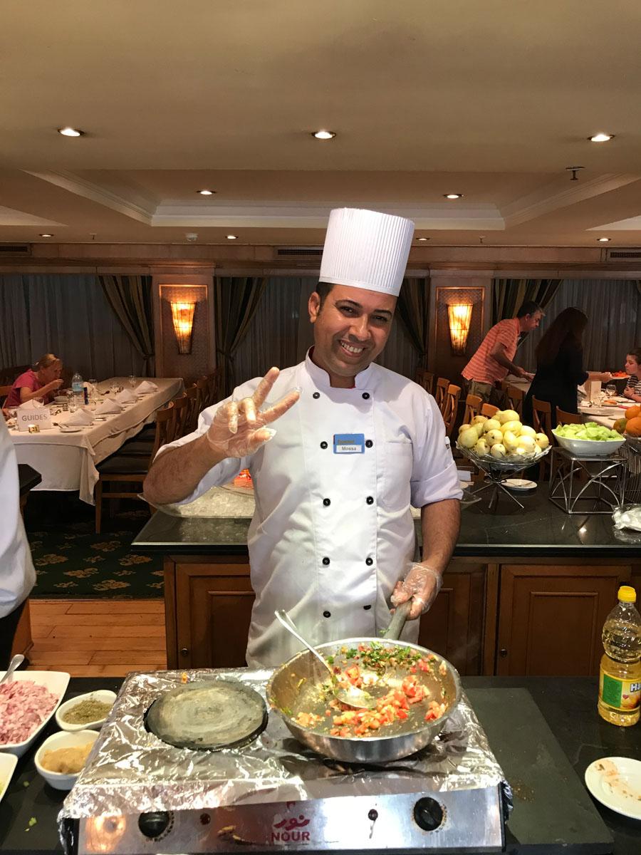 cocinero en el crucero por el Nilo