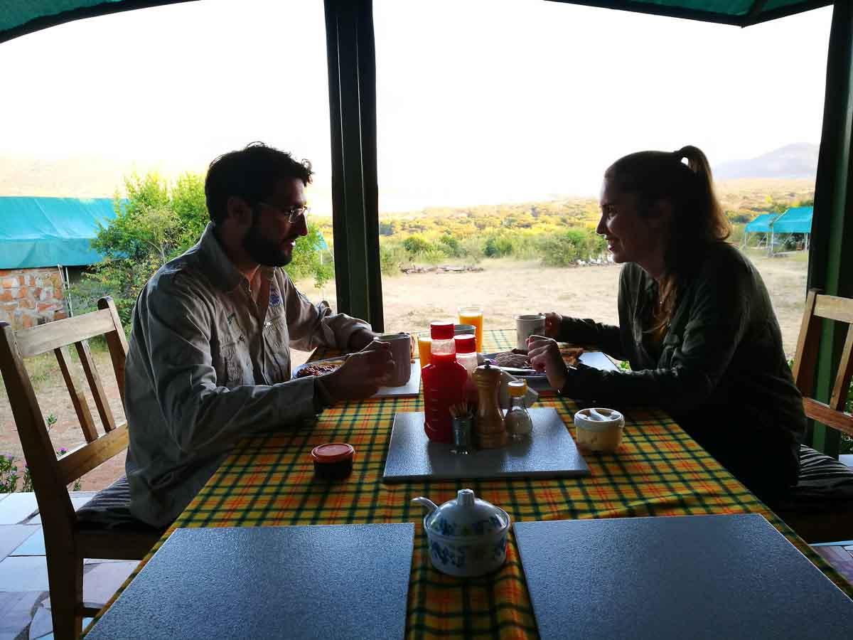 Comer durante el safari