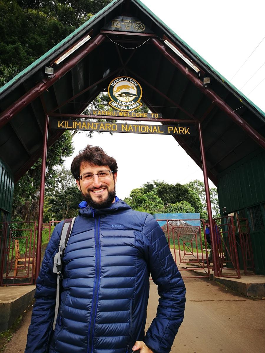 En la puerta del Kilimanjaro