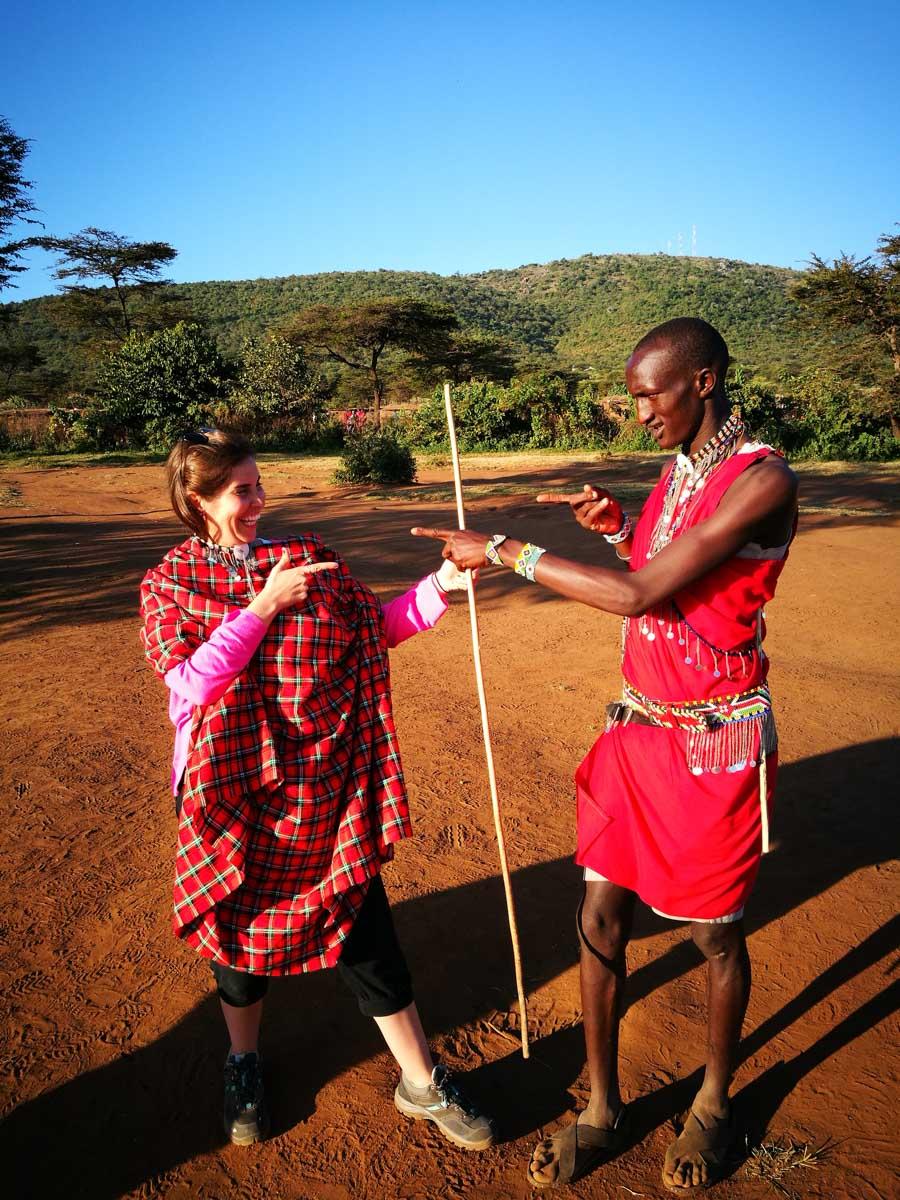 MJ con un masai