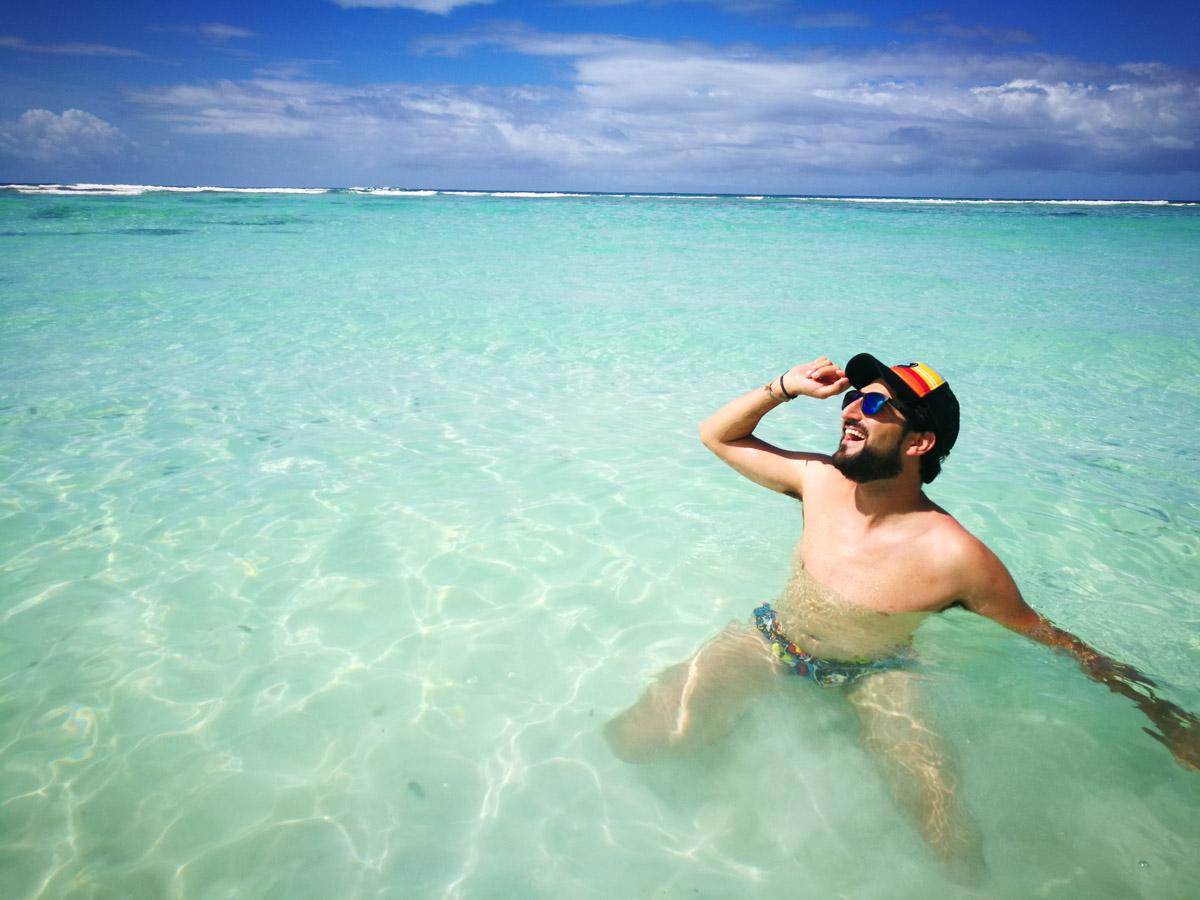 JP se pega un baño en Seychelles