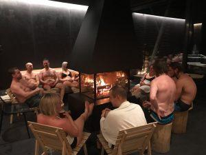 Los finlandeses en la sauna