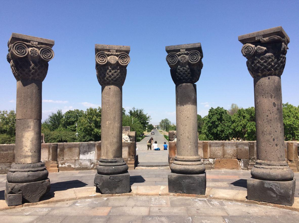 Templo Zvartnots en Armenia