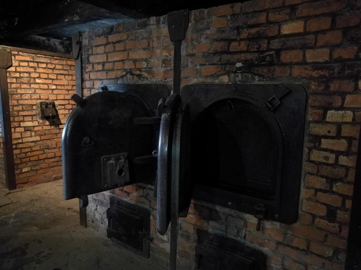 Hornos crematorios en Auschwitz II