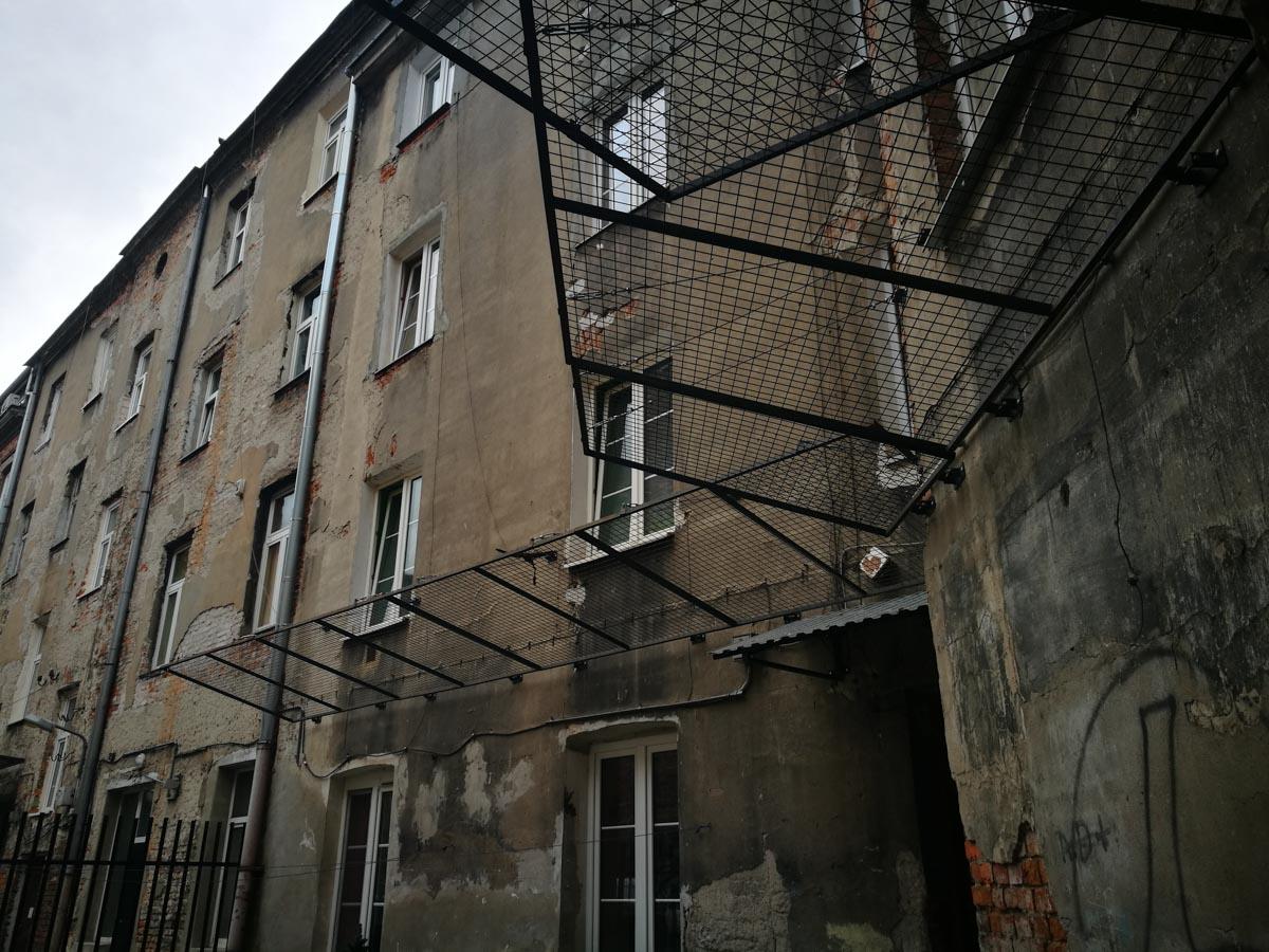 Redes metalicas en barrio de Praga