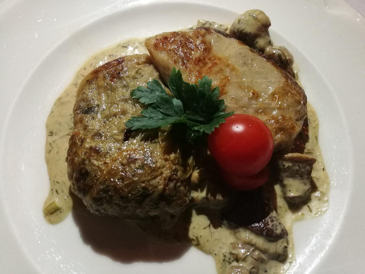 Carne envuelta de col