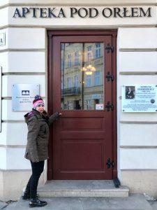 MJ en la farmacia del gueto de Cracovia