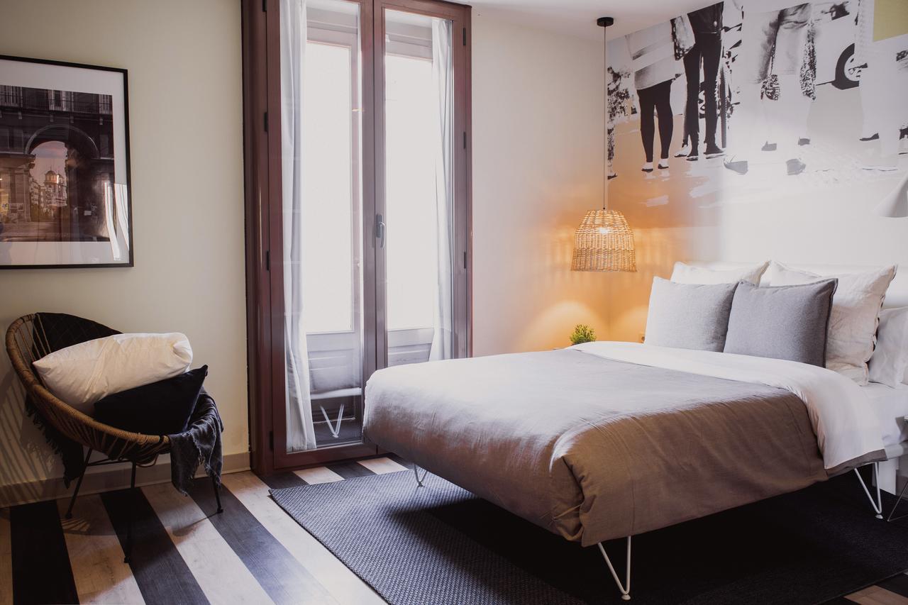 Room 007 Madrid