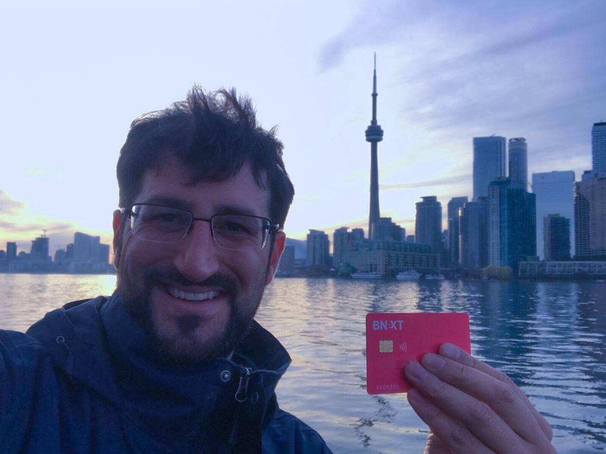 JP con la tarjeta Bnext en Toronto