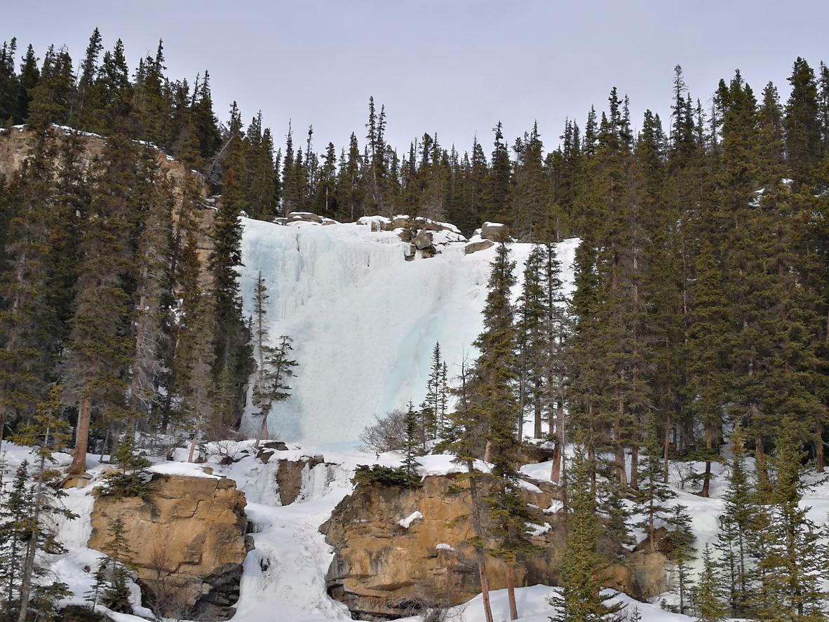 Cascada congelada en Jasper