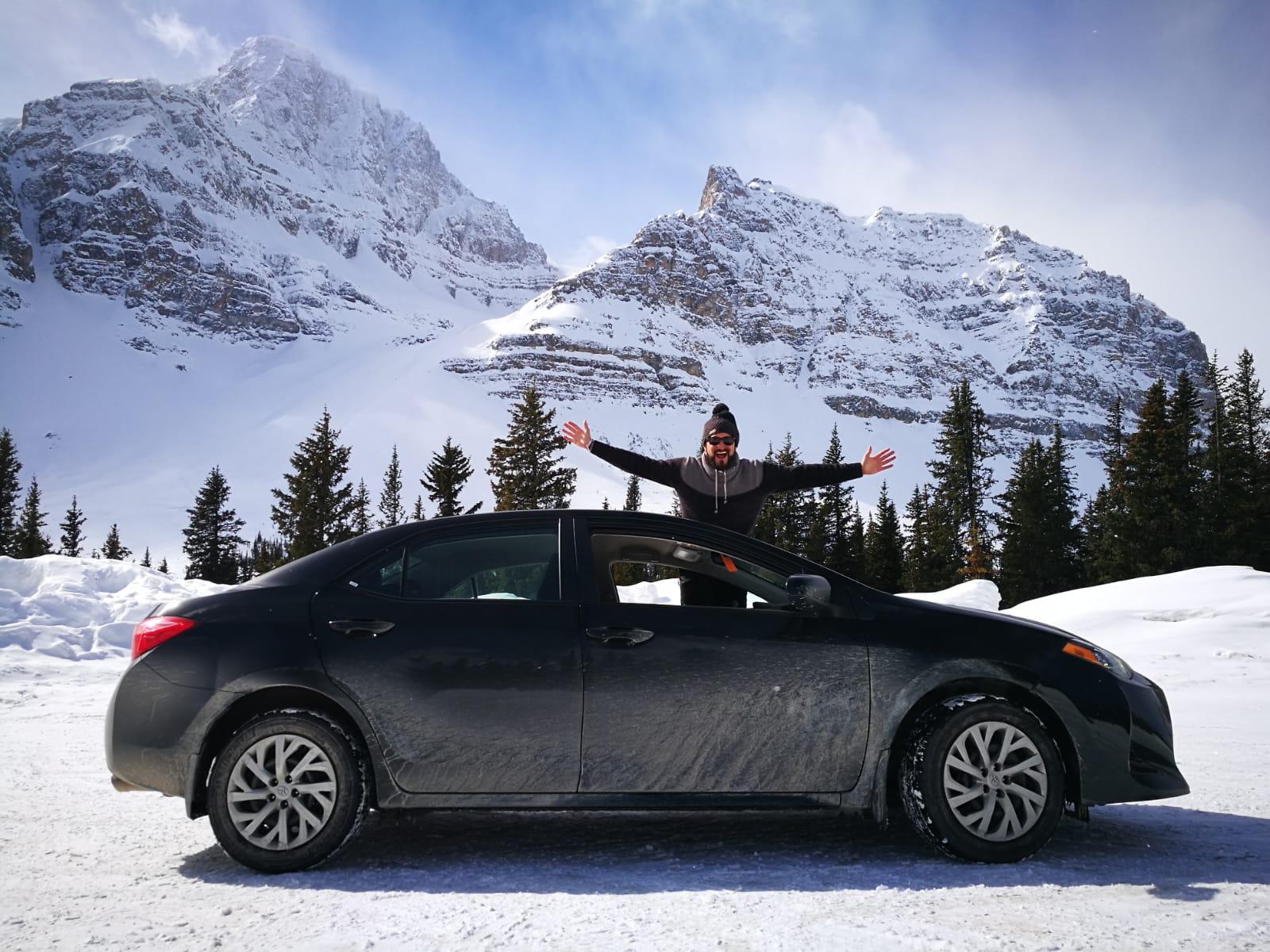 Nuestro coche en las Montanas Rocosas