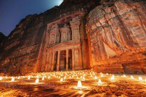 Tesoro de Petra de noche