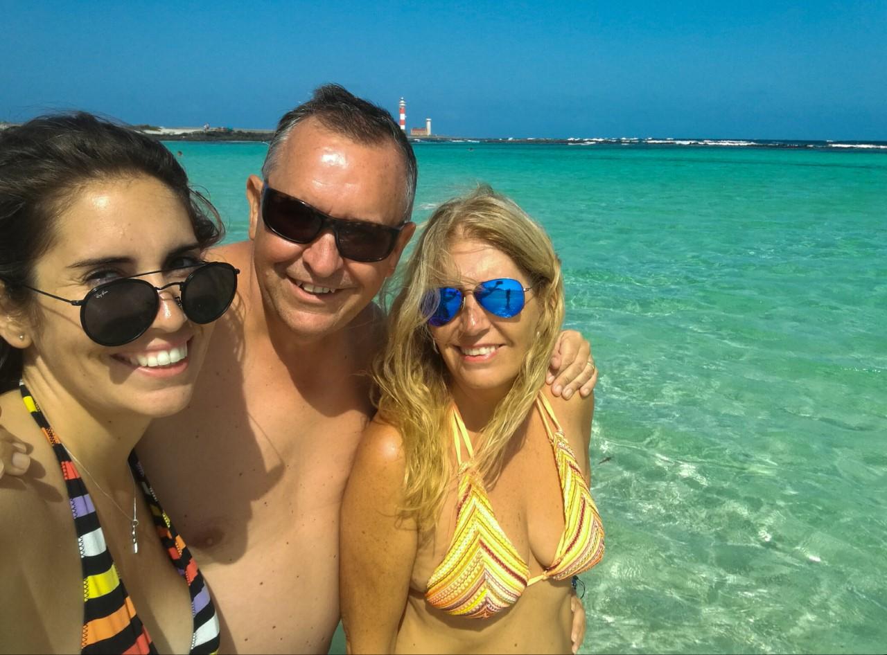 MJ con sus padres en Fuerteventura
