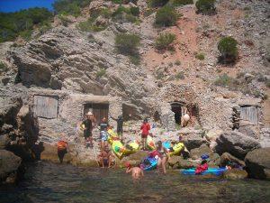 Refugio en nuestra vuelta a Ibiza en kayak