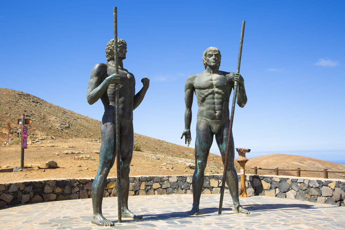 Estatuas en los miradores de Betancuria