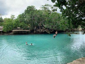 Lago azul de Efate