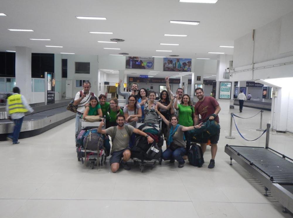En el aeropuerto con los expedicionarios