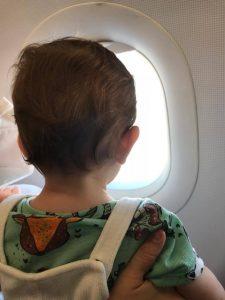 Viajar en avión con bebé